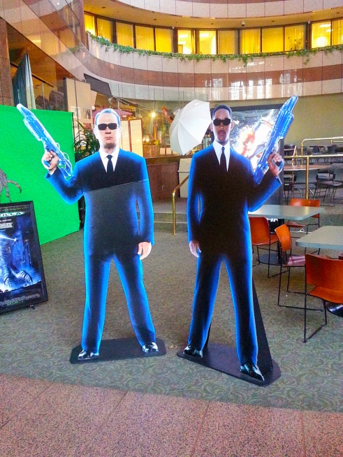 "as you proceed into the lobby, you are ""greeted"" by agents K and J..."