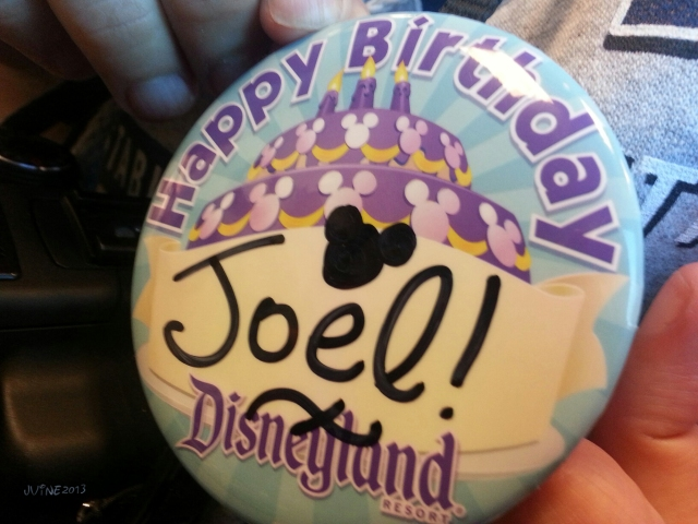 soon after we entered Disneyland, my sister mentioned to a cast member that I was there for my birthday, and soon after that, he ran up to me and wished my a happy birthday...
